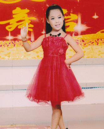 李静怡从这个孩子身上看到了平菊的未来,甚至看到了平菊花卉学校的未来!