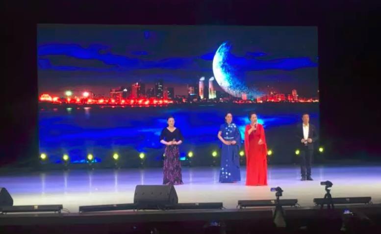 滨海新区汉沽街举行十佳国票和小梅花特别演出