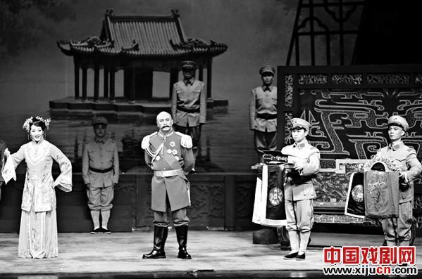余奎志和李胜素再次联合演出大型京剧交响乐《剑、胆、秦心》