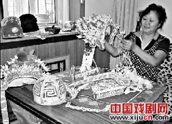 山西金剧院戏剧头盔设计师兼制片人梁翠云