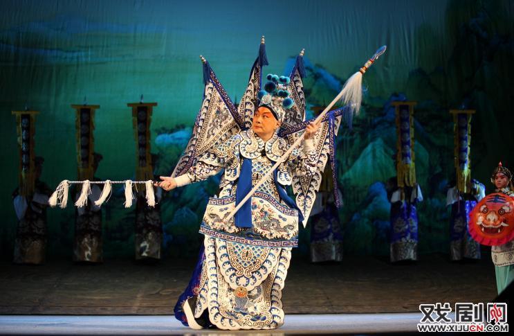 一部新京剧《赵佗》在固安和裴炎陵上映