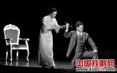 从新京剧《宋姐妹》的成功开始