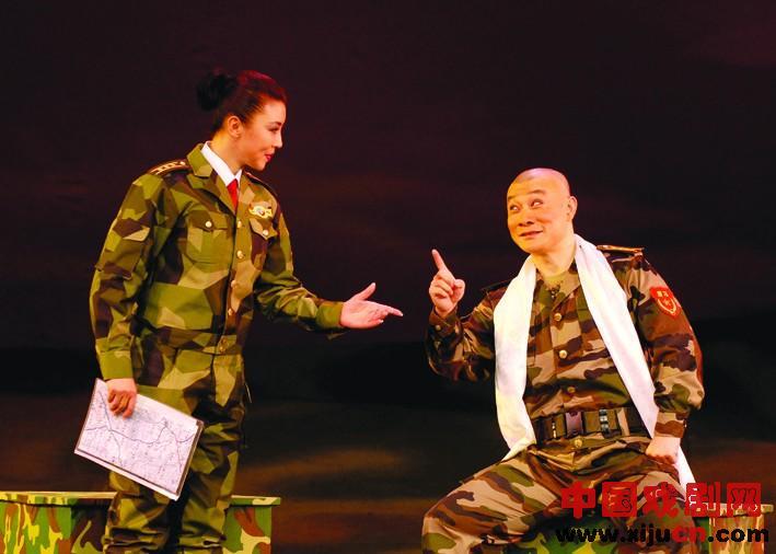 现代京剧《红沙河》将在青岛人民大会堂上演:京剧被用来展示当代士兵的风采。