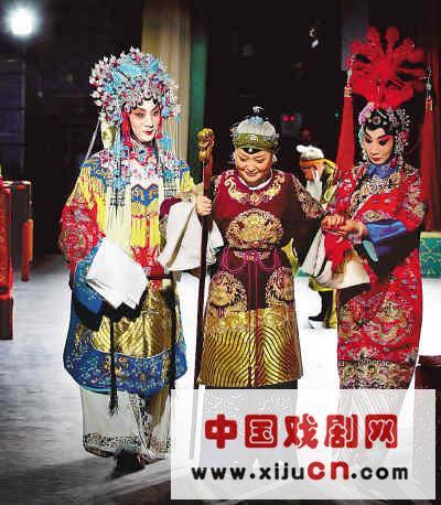 国家大剧院演员刘铮在北京梅兰芳大剧院表演京剧《红鬃和凶马》。