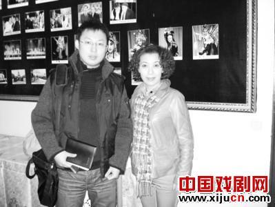 张派出生在张梅青衣的一个梨园家庭。