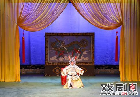 """山西省晋剧团委在""""2015年山西优秀春节联欢晚会""""的演出中发挥了重要作用"""