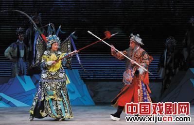 年轻的京剧新星侯钰领衔主演了京剧《矛》