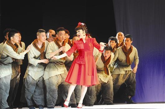 《美丽人生》中的京剧音乐剧《刘紫薇》,与关东田联袂演出
