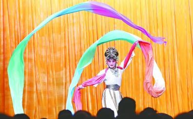 四代演员在武汉京剧院同堂三天