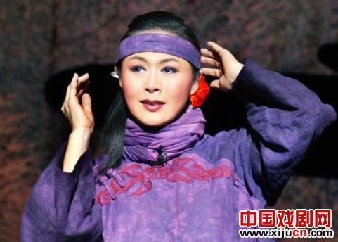 """""""云刀妹巷""""的启示——从冯玉萍获得""""梅花奖""""谈起"""