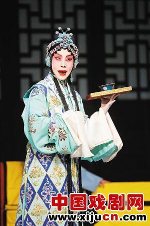 京剧大师叶少兰专程来指导京剧《玉娘》