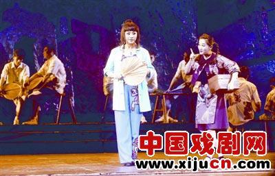 武汉京剧剧院创作并演出京剧《庆忌街头生活秀》