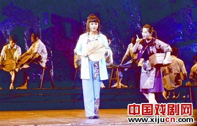 武汉京剧剧院上演的京剧版《庆忌街头生活秀》赢得了广泛好评。