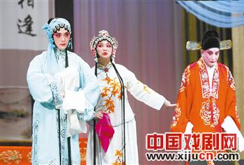 天津平剧白排剧团表演著名戏剧《临江一》