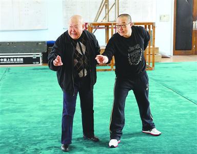一部新的古代京剧《黑旋风》(全本)在上海天坛一府舞台上演