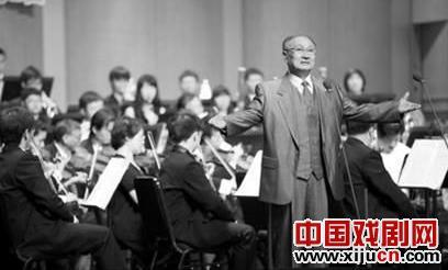"""70岁的童香玲再现了""""杨子荣"""""""