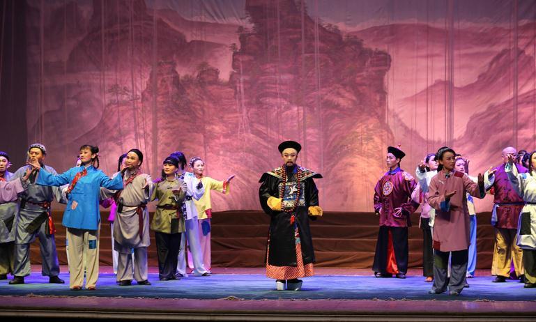 新晋戏剧《直隶总督于成龙》在沧州大剧院演出精彩