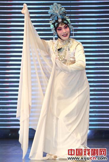 """中国戏曲的精髓是将广州性文化节唱给性文化节欣赏""""贵妃沐浴""""和""""三寸金莲"""""""