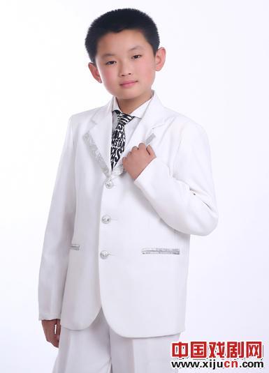 九岁的童星王泽洋同时受到几所大型戏剧学院的邀请。