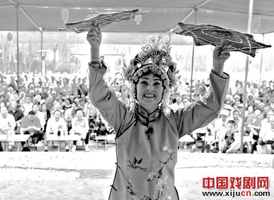 第六届金歌剧选拔赛在银马河公园开幕