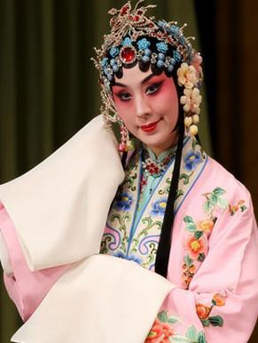 京剧《凤还巢》于5月6日在长安大剧院上演。