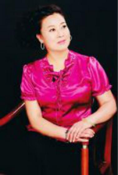 梁贵兴:壮族家庭的亲密演员