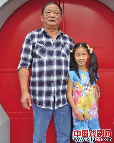 唐晨·迪的《唐·戈尔》和中国京剧业余爱好者的社会活动家在京剧界颇有名气。