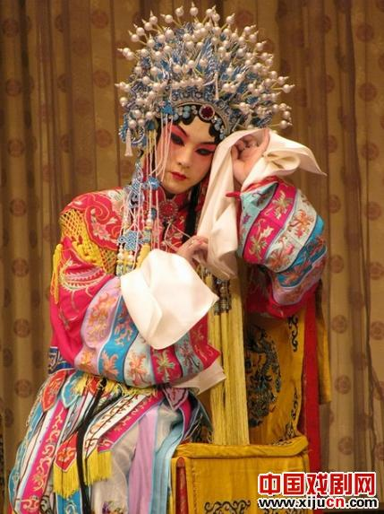 """裴炎陵大剧院将上演""""凤还巢""""和""""醉妃""""两部""""梅派""""经典戏剧。"""