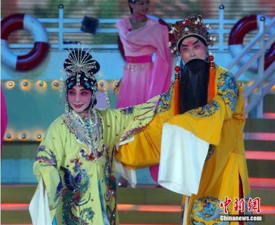 谭派后裔:我不反对京剧和新媒体的结合。