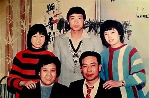 家里有一个小妹妹——京剧表演艺术家吴忠的女儿