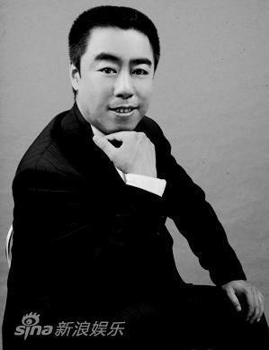 京剧演员甄建华在演出中因严重心肌梗塞而殉职,经抢救和治疗无效。
