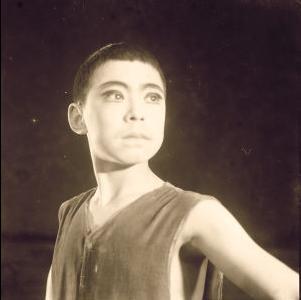 余奎志戏剧学校学生回忆40年前的相遇