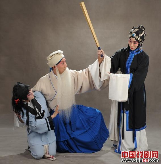 迟小秋和朱强带着重新排版的《三娘教孩子》在母亲节来到长安大剧院