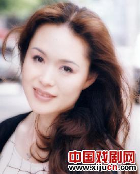"""著名的说书人冯玉萍致力于""""奔向爱情"""""""