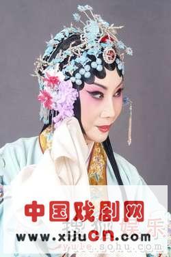 张派著名京剧表演艺术家薛亚萍将把她的名剧《西厢记》和《诗文协会》(照片)带到梅兰芳大剧院。