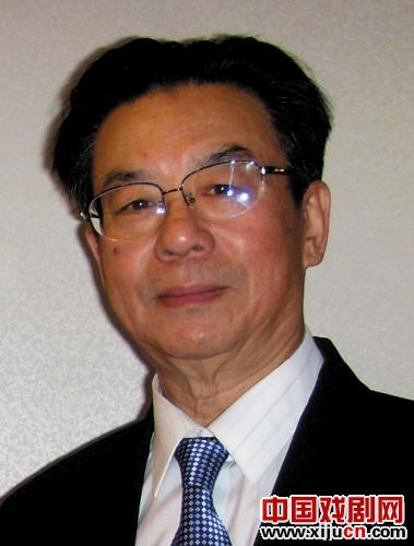 何文茜教授编写了近20万字的京剧教材,大学生非常喜欢。