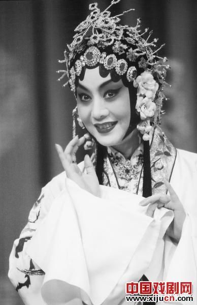 为什么传统京剧表演不受欢迎?