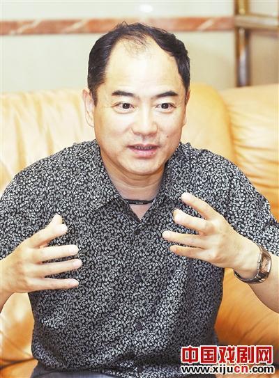 """李宏图说:""""京剧其实很受欢迎。我在北京的学院和大学表演,没有一个大学生能理解它。"""""""
