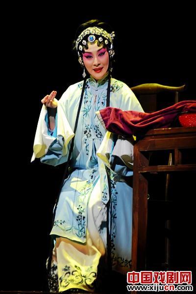 京剧《香莲案》是一部可以生存的新戏