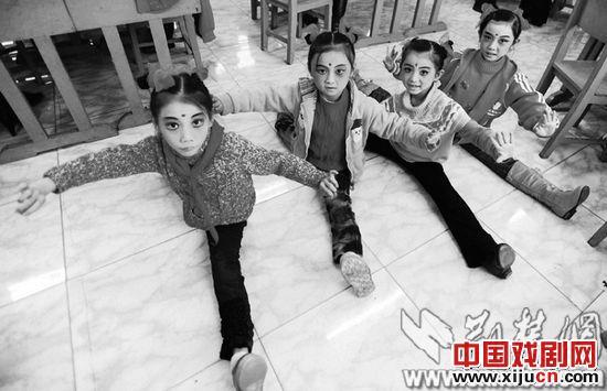 明溪小学儿童北京戏剧俱乐部