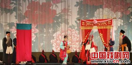 聊城由大型歌剧《索林胶囊》和子歌剧《竹林规划》、《赤松镇》、《小燕》和《大灯店》演唱