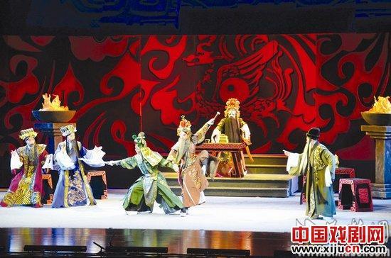 重瞳京剧《项羽》令人耳目一新。