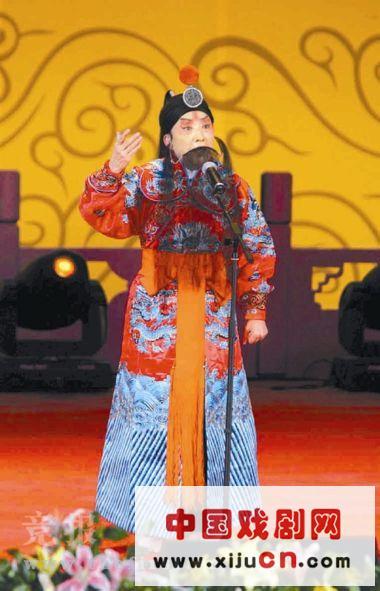 """历时近两个月的""""朝阳区2008京剧选拔赛""""的获胜者进行了述职表演。"""