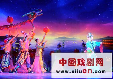 视觉交响京剧《新白蛇传》是2008年北京奥运会的主要文化事件之一