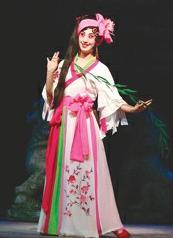 京剧圣母院点亮上海大剧院