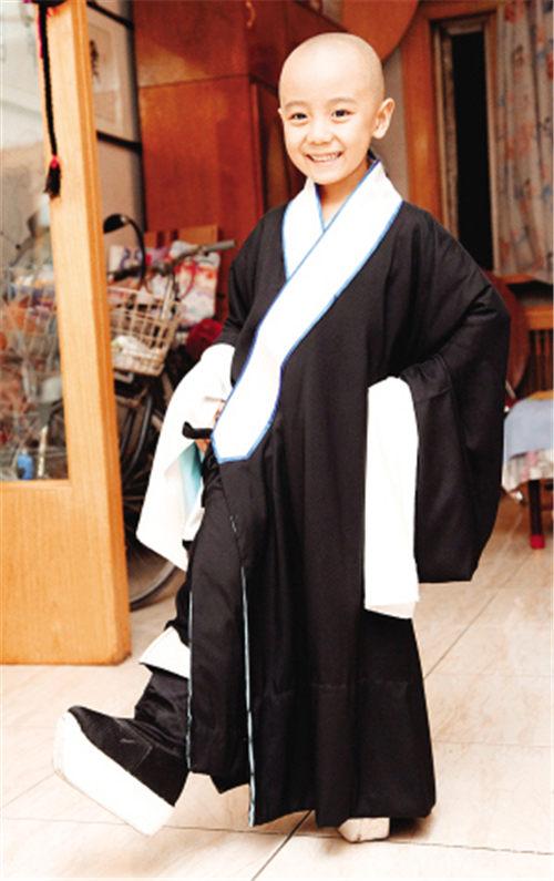 京剧天才朱天舒很有天赋。