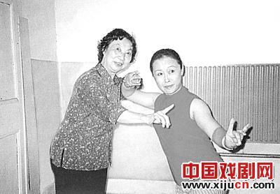 中国戏曲学院教授谢瑞卿传承了戏曲艺术的传统