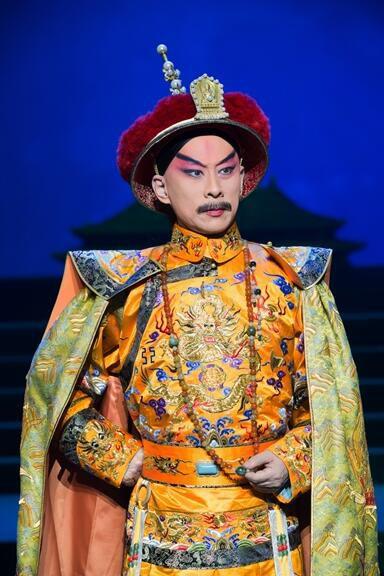 天津京剧剧院的新京剧《康熙皇帝》将来到上海参加第17届中国上海国际艺术节。