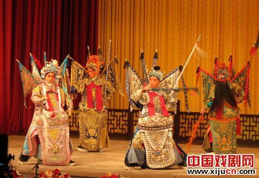 刘连群:京剧中的传统美德