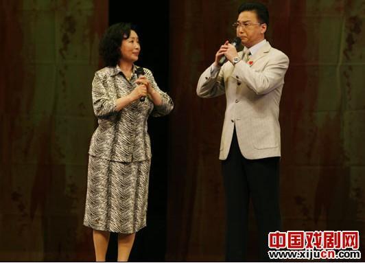 谭孝曾和阎桂祥之间几十年的雨天路